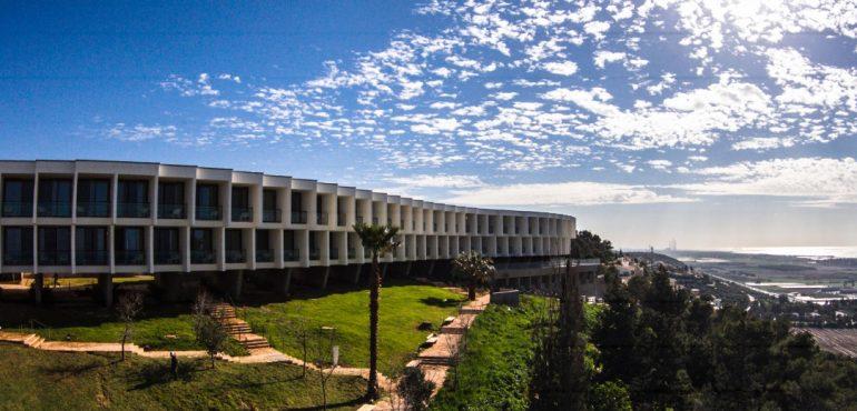 מלון אלמא זכרון יעקב – מבנה חיצוני