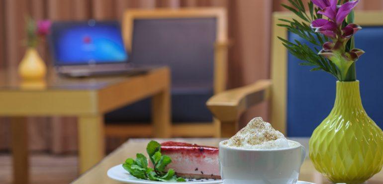 מלון גרנד ביץ' תל אביב – לובי בר