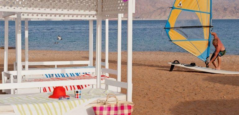 מלון יו קוראל ביץ' אילת – להשתזף בכיף על החוף