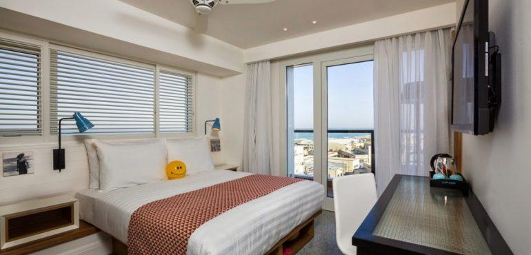 מלון ים תל אביב – חדר קלאסי עם מרפסת