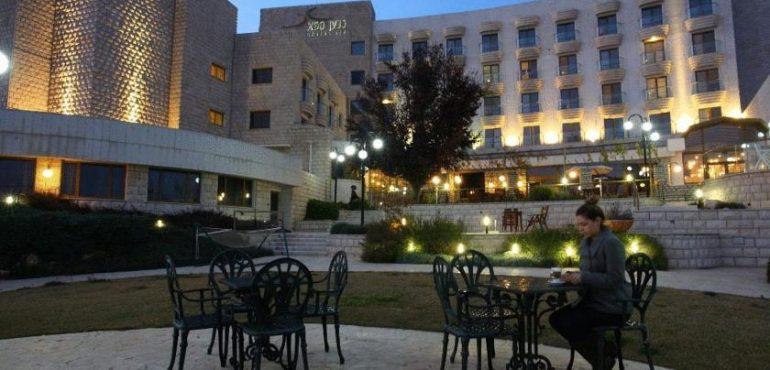 מלון כנען ספא צפת – המלון מבחוץ