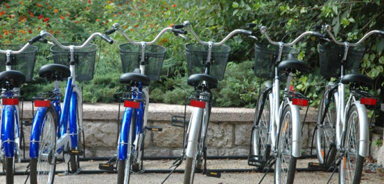 מלון כפר גלעדי קיבוץ כפר גלעדי – חניית אופניים