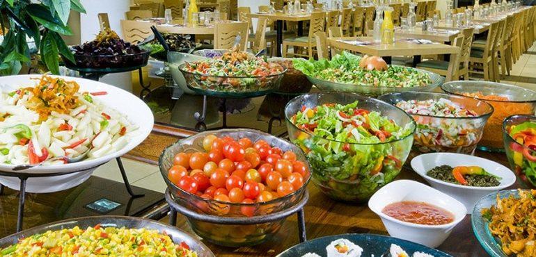 מלון לאונרדו טבריה – ארוחות מפנקות