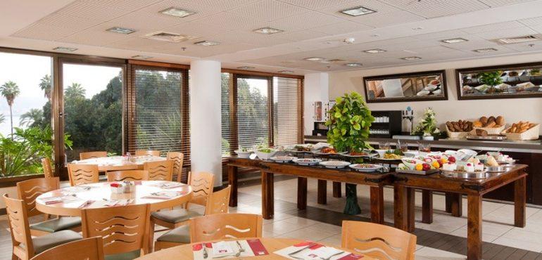 מלון לאונרדו טבריה – חדר אוכל במלון