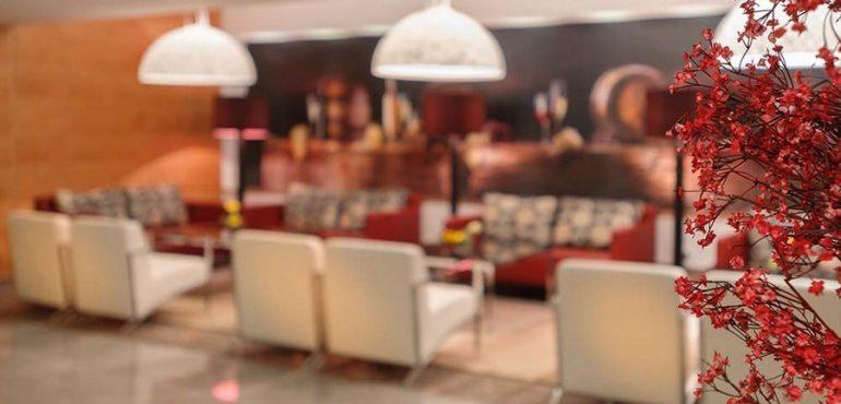 מלון לאונרדו פלאזה אשדוד – לובי המלון