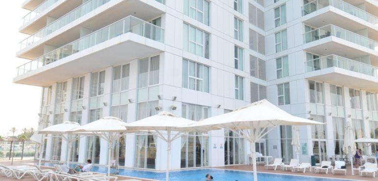מלון סוויטות איילנד נתניה – בריכה