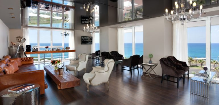מלון סוויטות איילנד נתניה – לובי