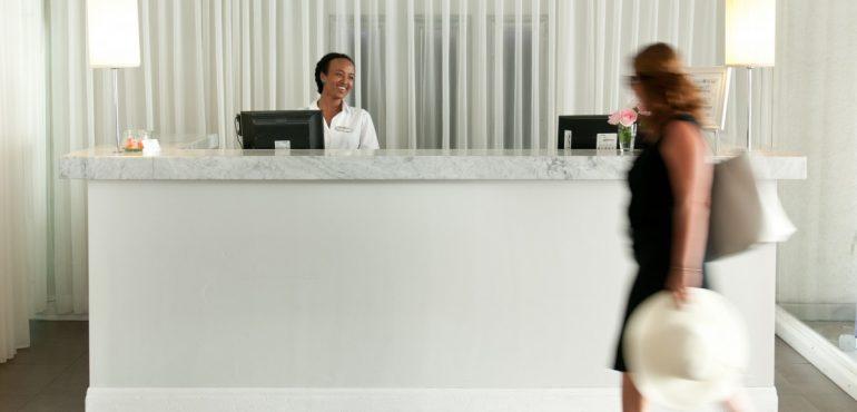 מלון פרימה תל אביב – קבלה