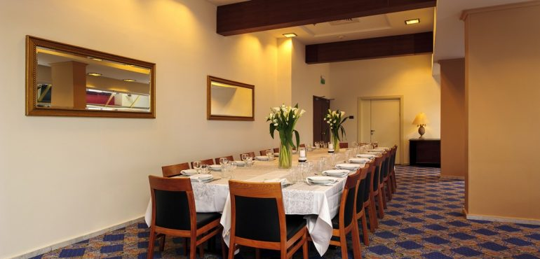 מלון קיסר פרמייר אילת – אולם לגונה