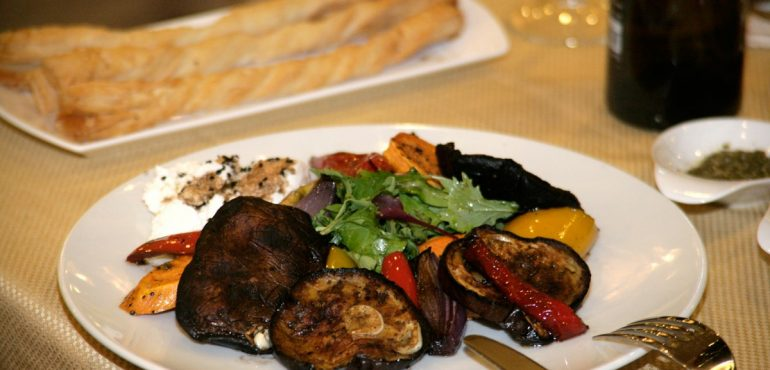 מלון קיסר פרמייר אילת – אנטיפסטי במסעדת פפה