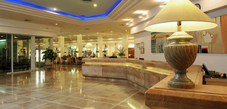 מלון קיסר פרמייר אילת – הקבלה והלובי