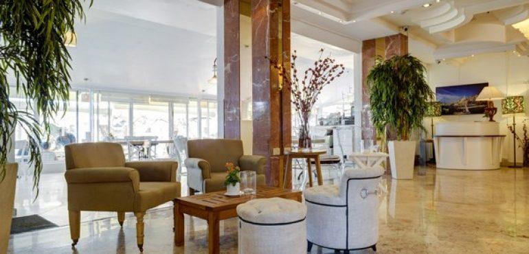 מלון רזידנס ביץ' נתניה – פינת ישיבה
