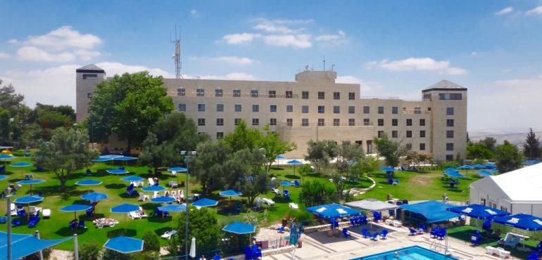 מלון רמת רחל – בריכה