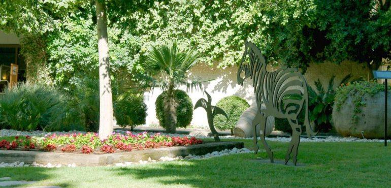 מלון רמת רחל – מדשאות המלון