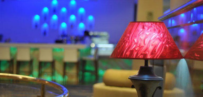 מלון רנסנס תל אביב – לובי בר