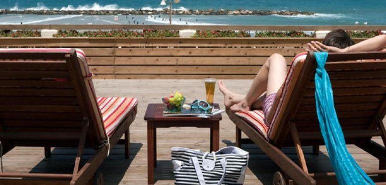 מלון רנסנס תל אביב – מרפסת שמש