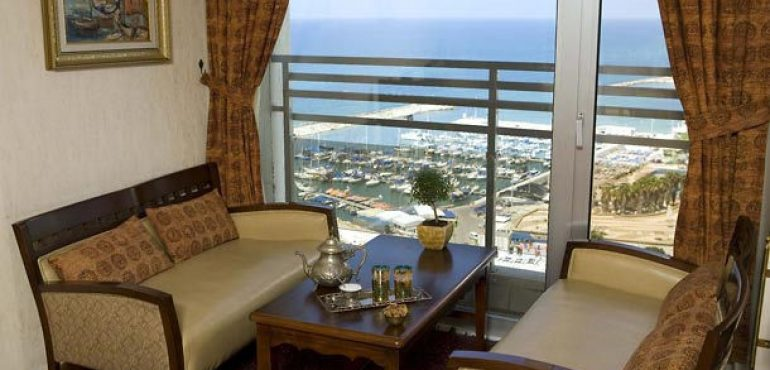 מלון רנסנס תל אביב – קלאב לאונג'